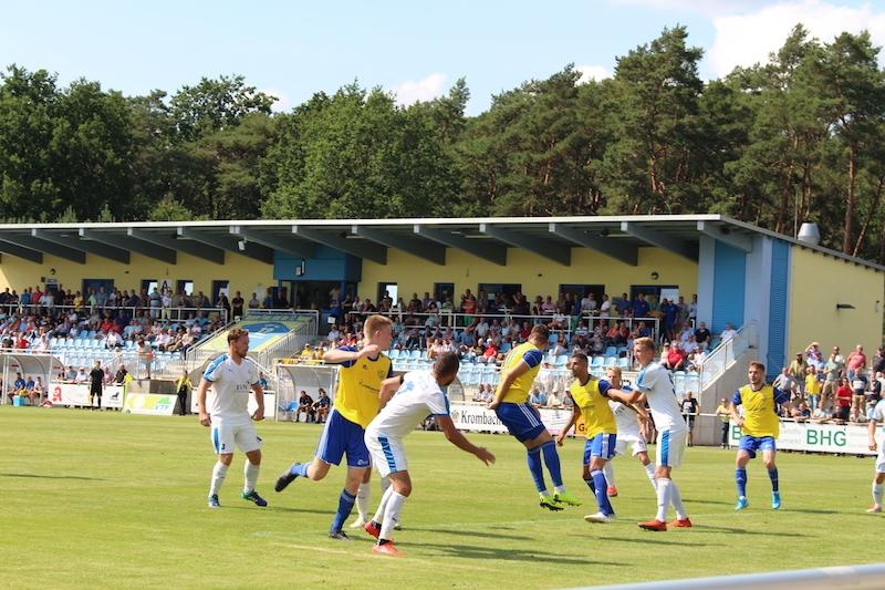 1. Spieltag Oberliga Süd - 26