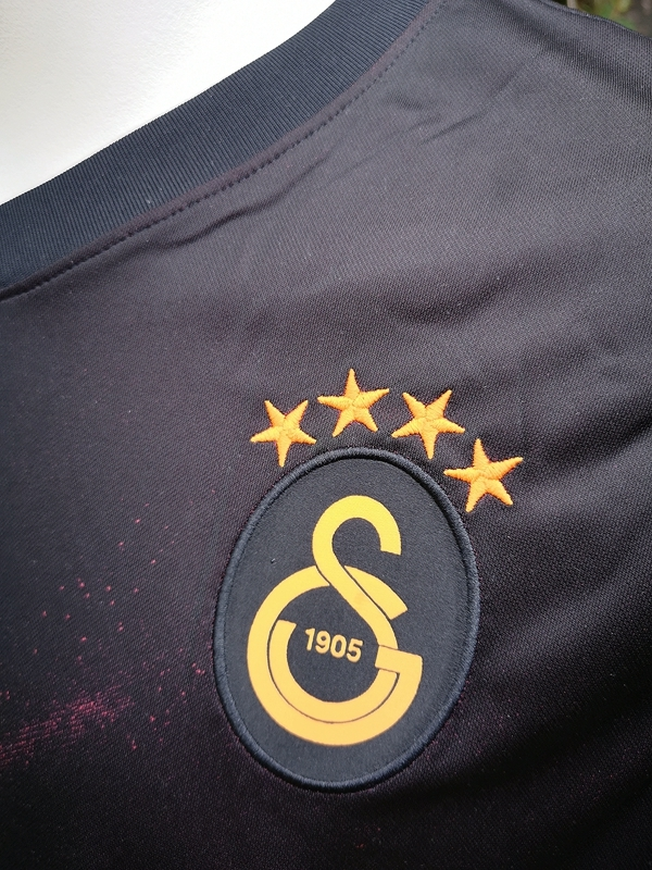 Galatasaray-Away-2